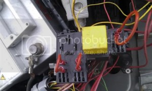 Fuel pump won't run with 12v from car,but does from