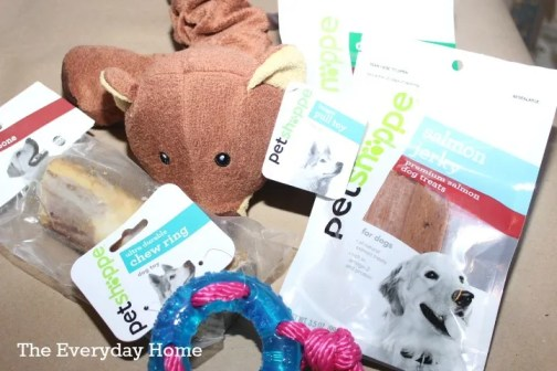 Walgreen Pet Shoppe and 5 Christmas Ornaments for Pets by The Everyday Home #shop #HappyAllTheWay