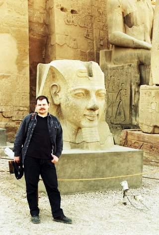 Ramses al II-lea in templul Luxor