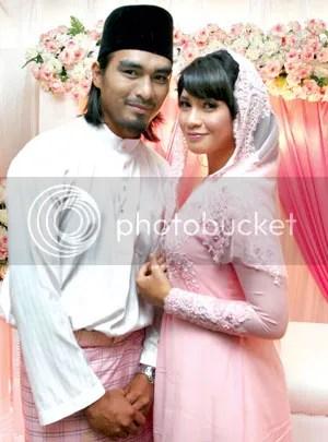 gambar pertunangan izreen