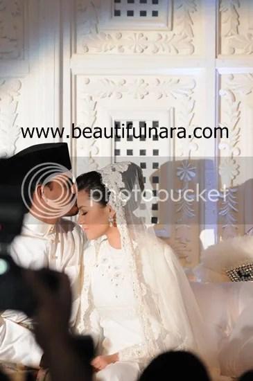 gambar pernikahan lisa surihani dan yusry