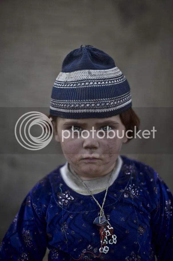 photo afghan-children-refugees-pakistan-muhammed-muheisen-10__605.jpg