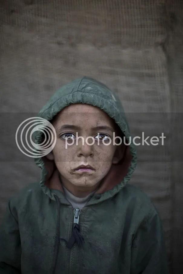 photo afghan-children-refugees-pakistan-muhammed-muheisen-8__605.jpg