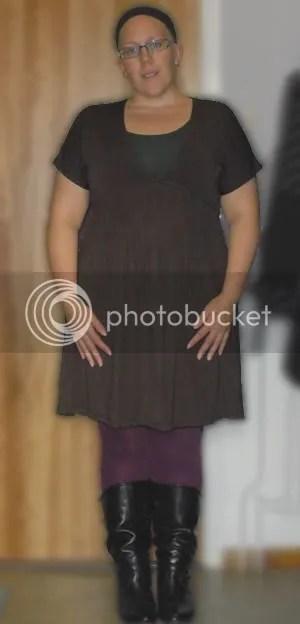 Klänning Gina Tricot strl M, strumpbyxor Lindex strl L, stövlar Wedins strl 38