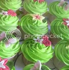 green-wedding-cupcake.jpg picture by titti2004