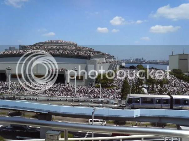 https://i1.wp.com/i392.photobucket.com/albums/pp1/hslx222/comiket_76_day_3_crowd.jpg?w=604
