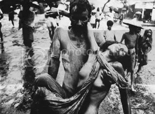 Civiles en la Guerra de Vietnam. Sobre 1969. Imagen de la colección Hulton-Deutsch.