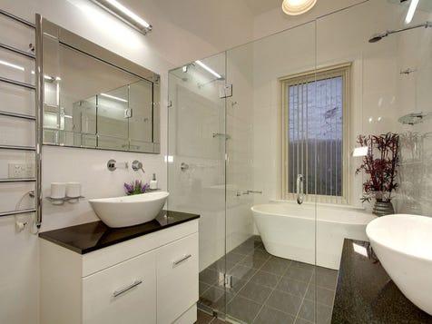 View the Main-bathroom photo collection on Home Ideas on Main Bathroom Ideas  id=50548