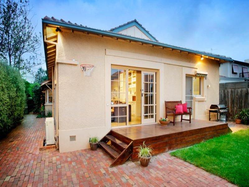 Indoor-outdoor outdoor living design with bbq area ... on Fancy Outdoor Living id=82808
