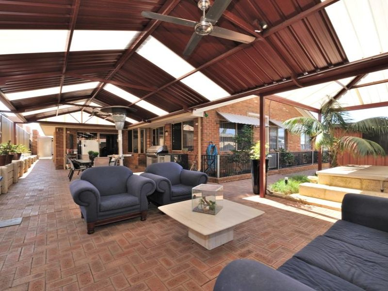 Enclosed outdoor living design with glass balustrade ... on Enclosed Outdoor Living Spaces  id=55085
