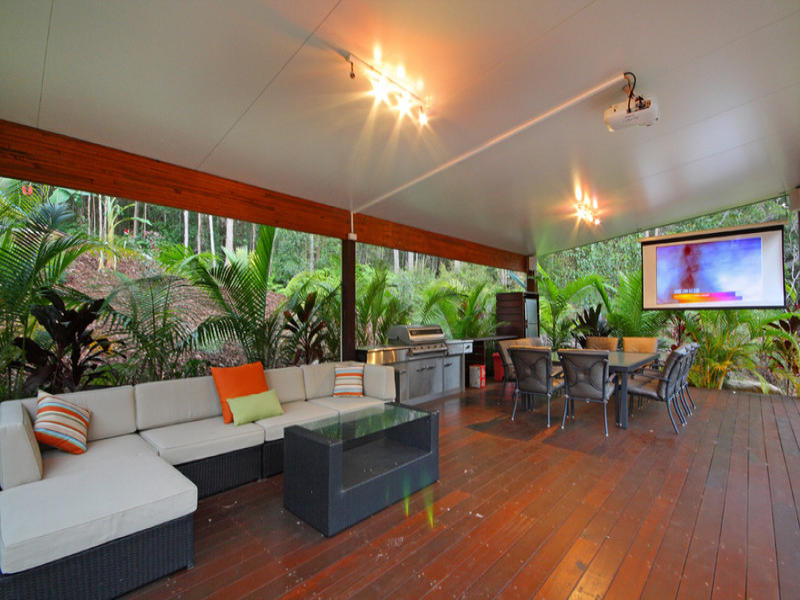 Outdoor living design with bbq area from a real Australian ... on Aust Outdoor Living  id=32798