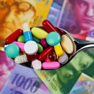Médicaments et notes bancaires ( symbole )