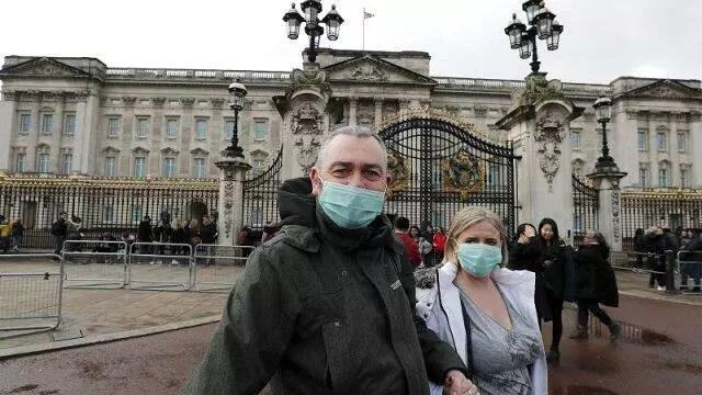 Son dakika: İngiltere'de corona virüsten bir günde 938 kişi öldü 1