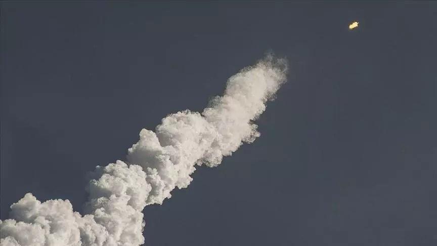 İran askeri uydusunu uzaya fırlattı 1