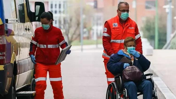 Son dakika haberi: İspanya'da salgında can kaybı 22 bin 157'ye yükseldi 1