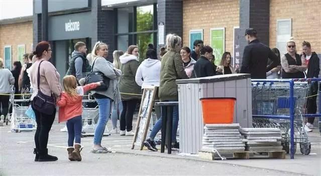 İngiltere'de okulların 1 Haziran'da açılması planlanıyor 1