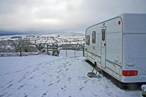 Kışın karavan gezisi nasıl yapılır? Sorunsuz bir yolculuk için ipuçları…