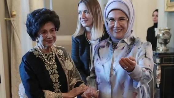 Image result for Malezya başbakanının eşi