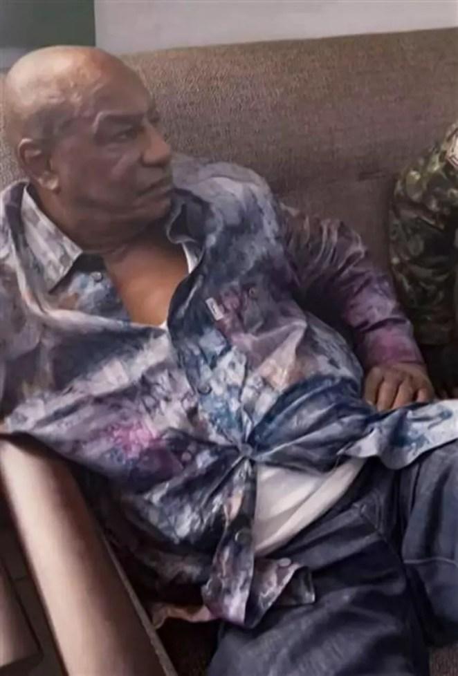 Son dakika: Ginede darbe Cumhurbaşkanı alıkoyuldu Alpha Condenin ilk fotoğrafı geldi