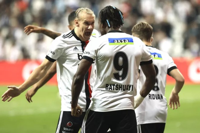 Beşiktaş revire döndü Borussia Dortmund maçı öncesiDomagoj Vida, Alex Teixeira ve Kevin NKoudou şoku