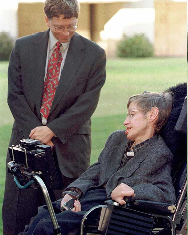 Bill Gates meets Professor Stephen Hawking on a visit to Cambridge University in 1997 (Pic: Getty Images)