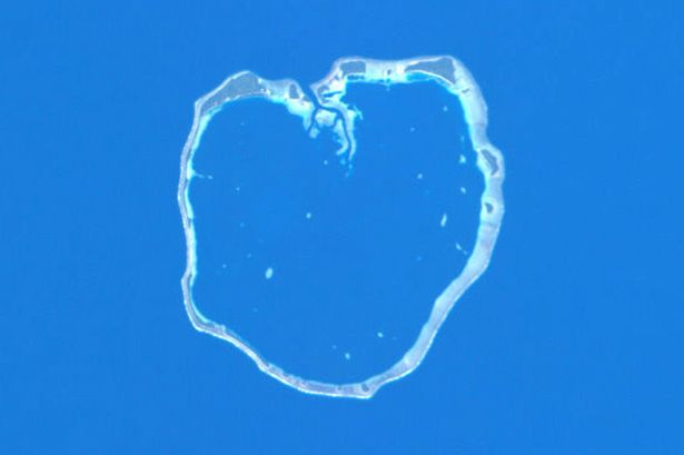 https://i1.wp.com/i4.mirror.co.uk/incoming/article3098913.ece/ALTERNATES/s615/Heart-shaped-NASA-and-ESA-images-3098913.jpg