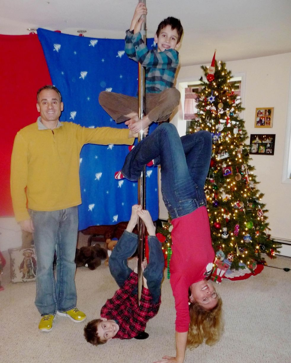 Awkward family Christmas photographs