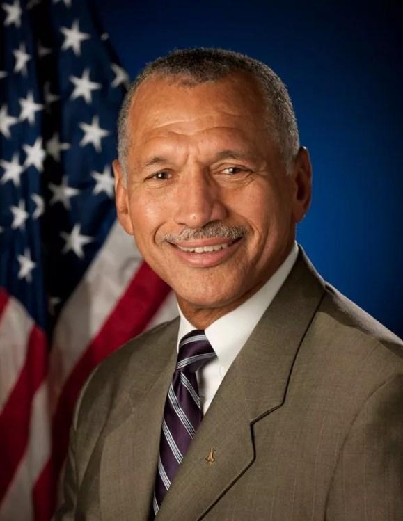 Charles F. Bolden Jr., Administrador da NASA.  Crédito: NASA