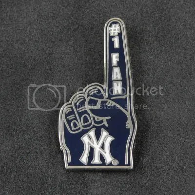 Yankees1fanpin.jpg image by jrboutique2004