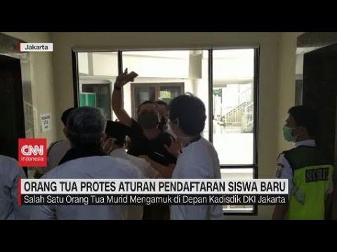 Orang Tua Protes Aturan Pendaftaran Siswa Baru