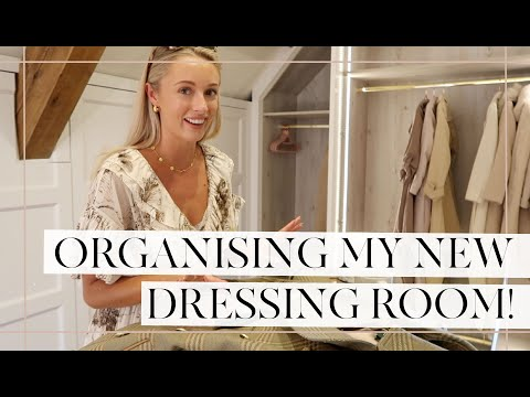 MOVING INTO MY DRESSING ROOM // Fashion Mumblr Vlog
