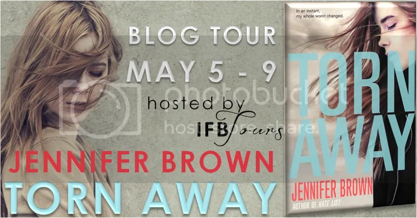 photo tornawayblogtour_zps492fa26b.png