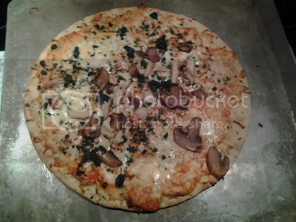 Kashi Mushroom Trio & Spinach Pizza - Photo by Mike Bonfanti