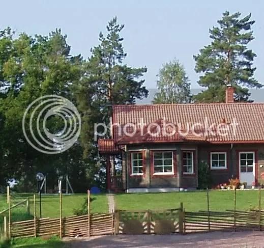 Här är vårt hus - nu med gärsgård!
