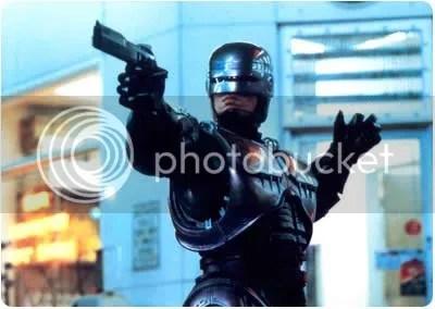 MMMH. Rico Rico (diria Wendy Sulca) la remake de RoboCop!