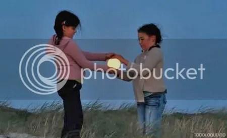 LAVENDER. Manon y Ramone han atrapado la Luna.