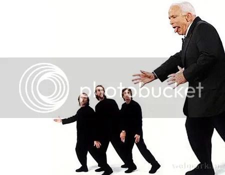 I CANT DANCE. De la mano de Genesis, baila McCain.