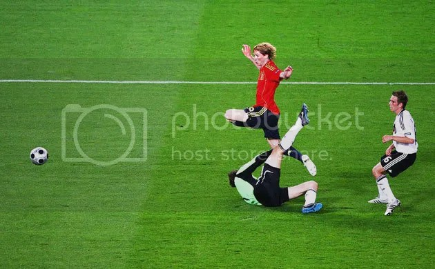 The goal by Fernando Torres!