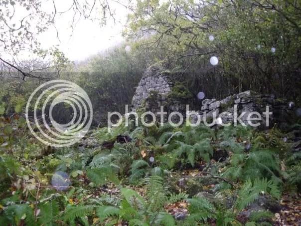PILE OF ROCKS photo: Ancient temple n43702659_30964277_5006.jpg