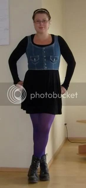Hannas snygga väst och klänning, båda från secondhand