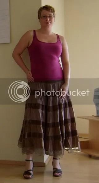Linne från H&M, hade velat ha ett vitt till kjolen men äger inget just nu. Kjol: Second hand
