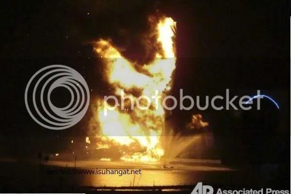 patung jesus terbakar