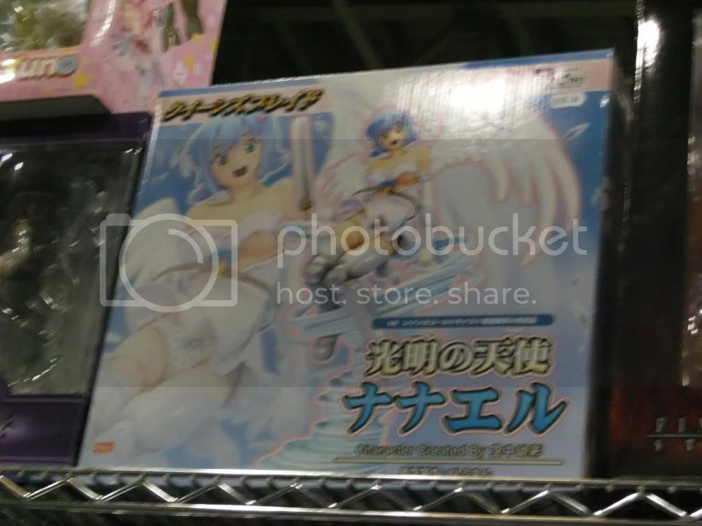 Its pretty rare to see current anime airing on Japanese TV merchandise to be imported right away in another country~~~