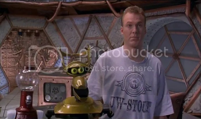 Tom Servo, Cuervo y Mike Nelson