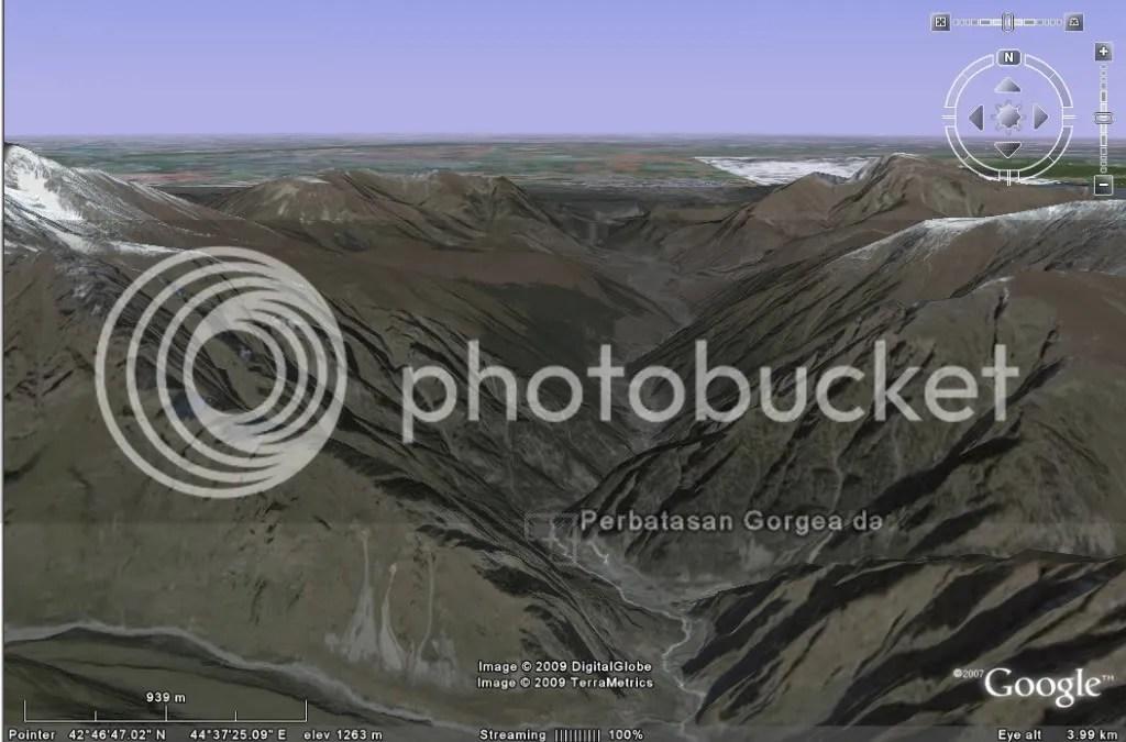 https://i1.wp.com/i464.photobucket.com/albums/rr8/mbahjogo/Zulkarnaen-Tembok%20besi/Gunung-Tembok-Besi-02.jpg