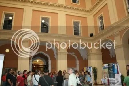Visita en la Facultad de la Merced, antiguo hospital. Foto: Condal