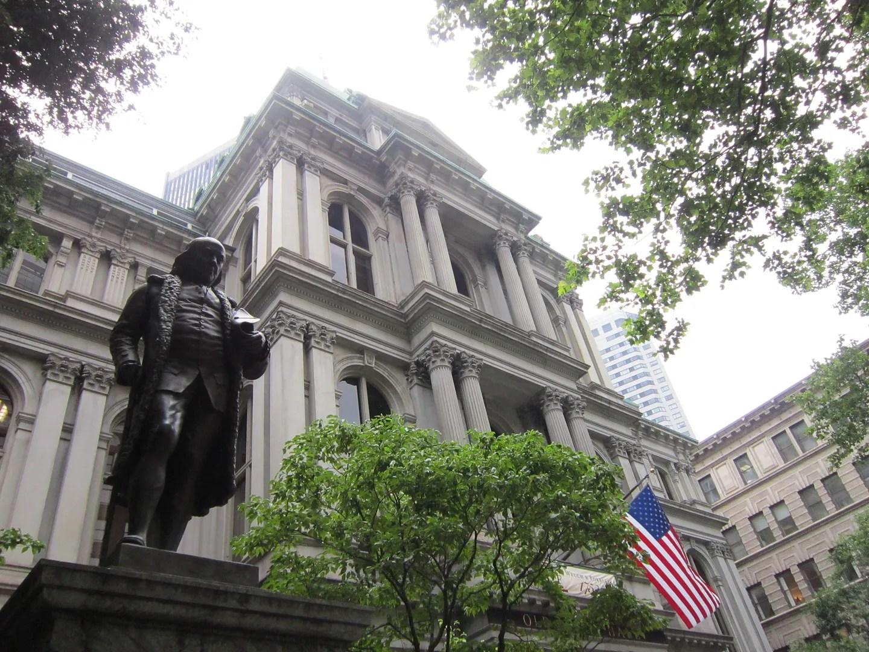 moody Benjamin Franklin statue