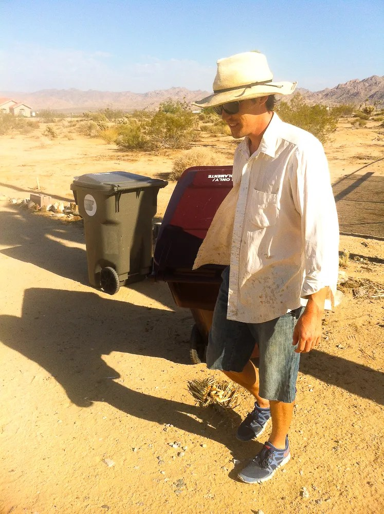 Keeping Cool in the Desert: Dressing for Outside Work (1/2)