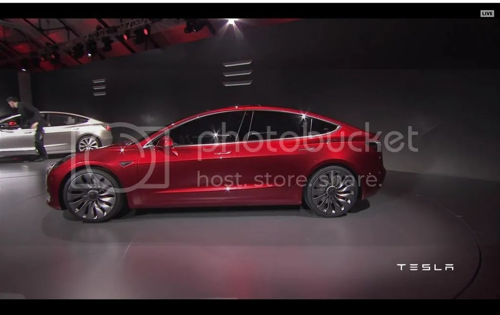 photo Tesla Model 3 Side.jpg