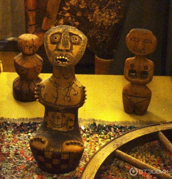 копия древней деревянной игрушки